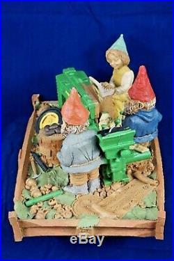 1999 Tom Clark Gnome John Deere Assembly Team No. 67 Rare Piece Cairn Signed