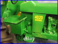 JOHN DEERE 4020 DIESEL TRACTOR BIG 1/8 SCALE BOX SIGNED by JOE ERTL 2001