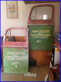 John Deere service sign